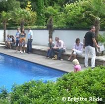 ...ihre Häuser, Gärten und andere Objekte der Öffentlichkeit zu zeigen.